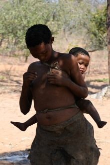 San woman, Bushman woman, child, Kalahari, Ju/'Hoansi Living Museum, Namibia